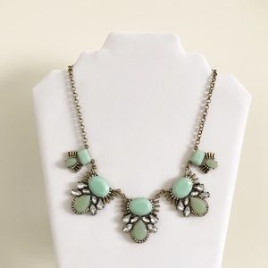 Jewelry - Mint necklace NWT